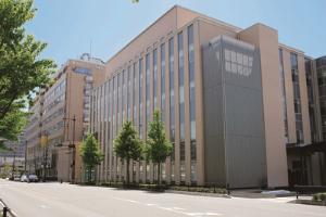 【理念】朝日大学病院の外観
