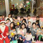 院内保育所「バンビーニ」でクリスマス会を開催しました。